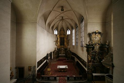 Sigma 10-20 or Tokina 12-24 for my D70?-all_saints_chapel_in_the_royal_palace.jpg