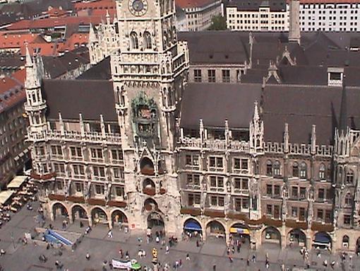 Tour Germany On Line (Video + Stills)-munichnewcityhall.jpg