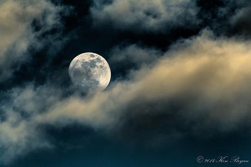 Waxing Gibbous Moon-_d4_6981_-2_-3.jpg