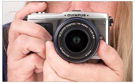 Olympus E-P1 Micro Four Thirds Camera-olympus_e-p1-hands.jpg