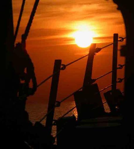 Persian Gulf Sunset-portbreakdoor1email2.jpg