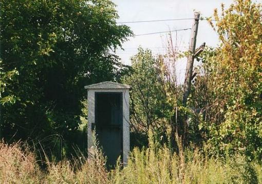outhouse-pixff1.jpg