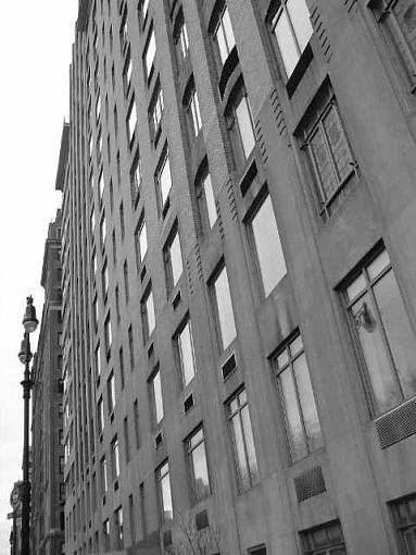 Pictures of Ground Zero and New York City-side-building-b-w.jpg