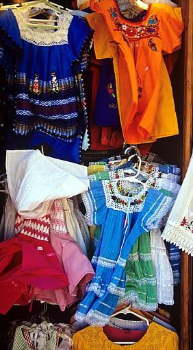 Dresses-market1_640.jpg