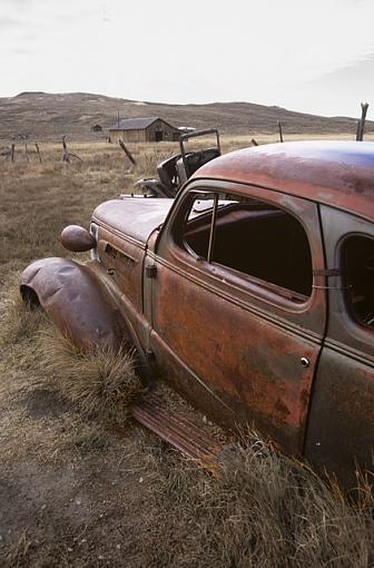 Old Bodie Car-oldbodiecar25_640_some_desat.jpg