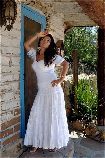 Model in Dress-dsc_5187_800.jpg
