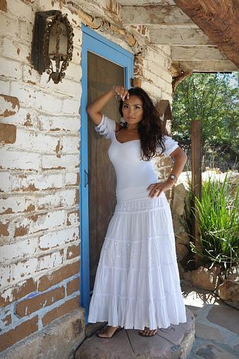 Model in Dress-dsc_5185_2_800.jpg