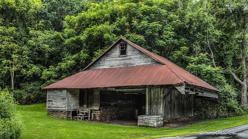 Another Barn-20130818-barnnearjacksonssawmill-6029x3-edit-2.jpg
