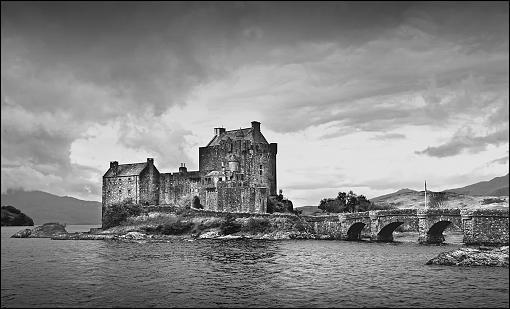 Castle-castle-b-w2.jpg