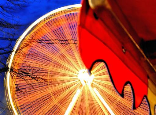 December Project: Playing with Light-wheel1.jpg