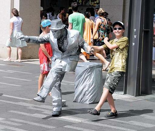 2009 January Project: Humour-axel-busker.jpg