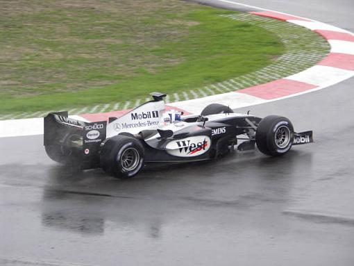 Konica Minolta A2  vs F1 cars-sized1530.jpg