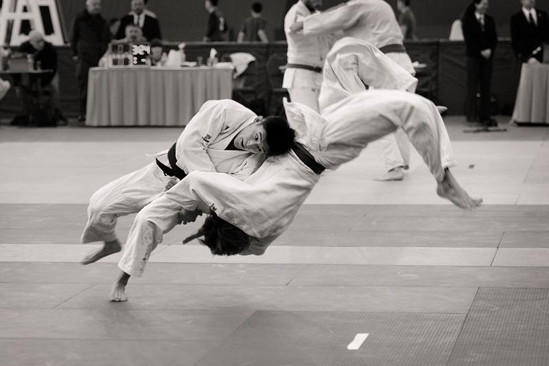 Name: Shoulder-throw-3-Judo_4163.jpg Views: 118 Size: 197.5 KB.