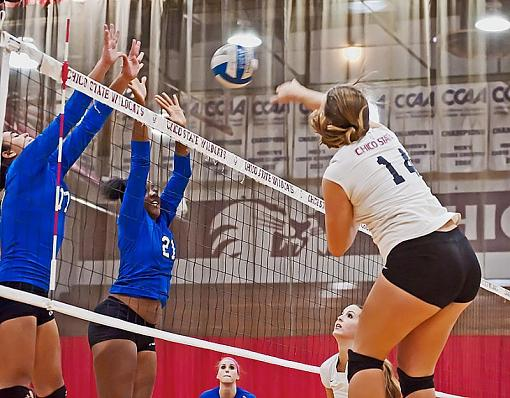 College volleyball: Chico State bested by tough opponent-7rb_9200_2.jpg
