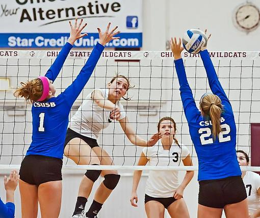 College volleyball: Chico State bested by tough opponent-7rb_9024_2.jpg