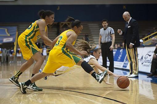 Women's Basketball-dsc_4216-2-1.jpg