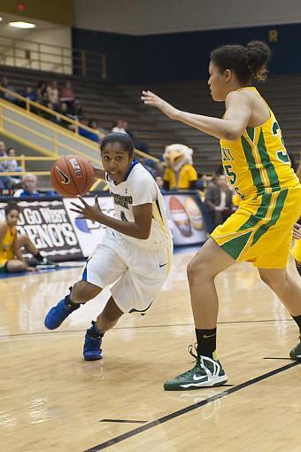 Women's Basketball-dsc_3789-2-1.jpg