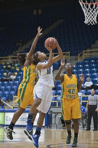 Women's Basketball-dsc_3830-2-1.jpg