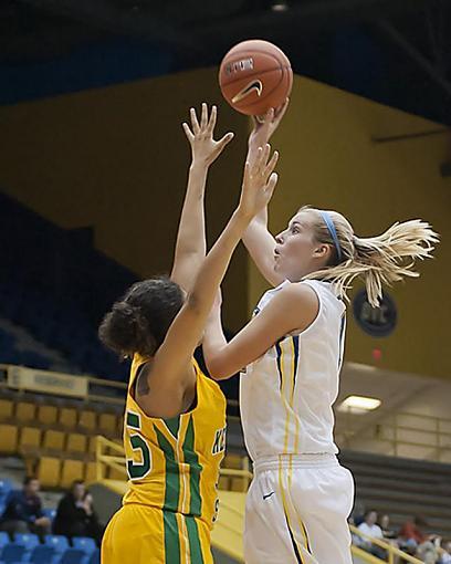 Women's Basketball-dsc_4026-2-1-8.jpg