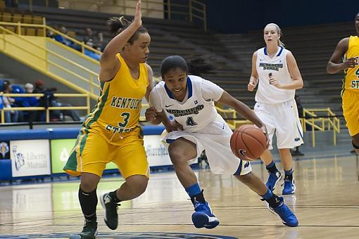 Women's Basketball-dsc_4043-3-1000.jpg