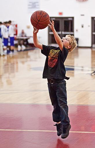 More high school B-ball tournament action-7rb_4245_2.jpg