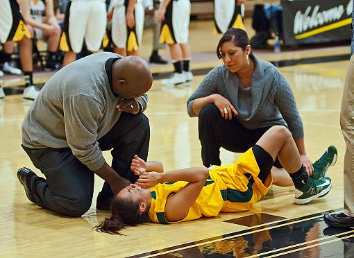 Womens College basketball: Home team romp-7rb_4807_2.jpg