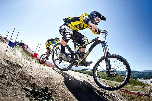 Some Photo from Sea Otter this year-s1600_919921_615037868524176_1041046738_o_1.jpg