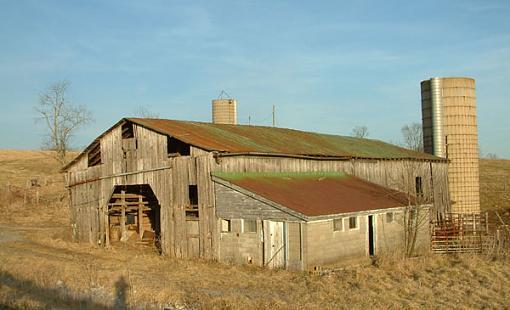 Barns-silo-barn.jpg