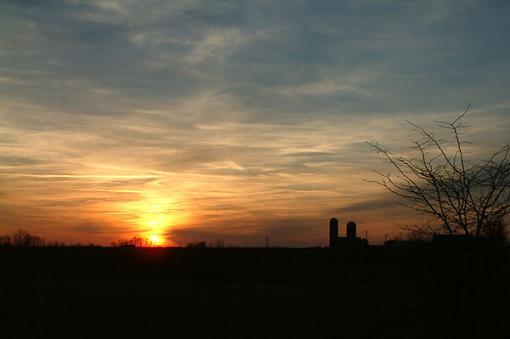 No words: The Golden Hour-ky-sunset.jpg