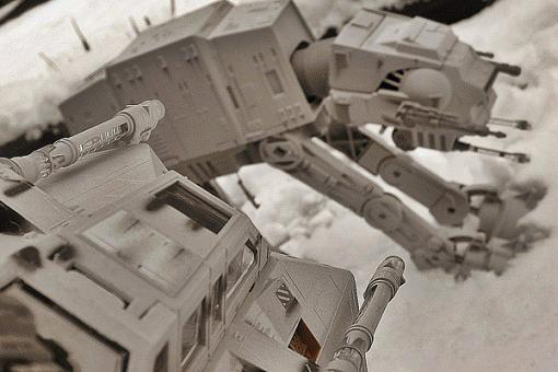 My son re-enacted the Battle of Hoth.-2006-03-11-backyard-pics-029.jpg