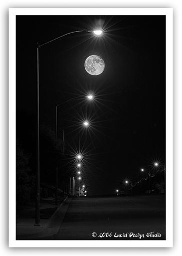 Moon over my Banning...-moon-streetlights.jpg