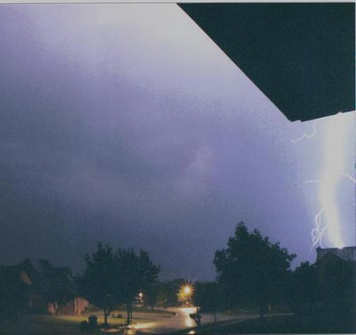 lightning bolt-05-31-2004-12%3B22%3B00pmrevamp.jpg