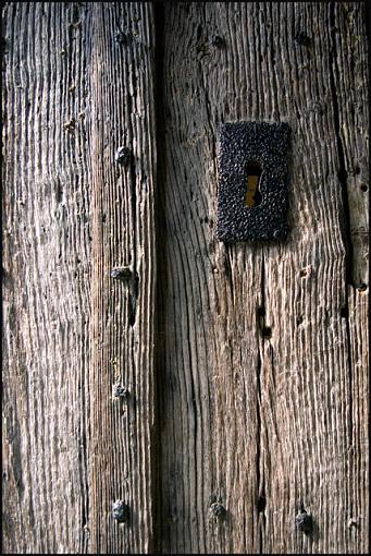 UK Members ... Met-church-door-jpg.jpg