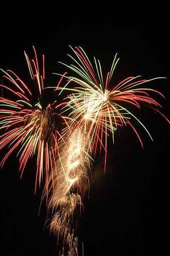 D70 Fireworks.......-dsc_0048-copy-2.jpg