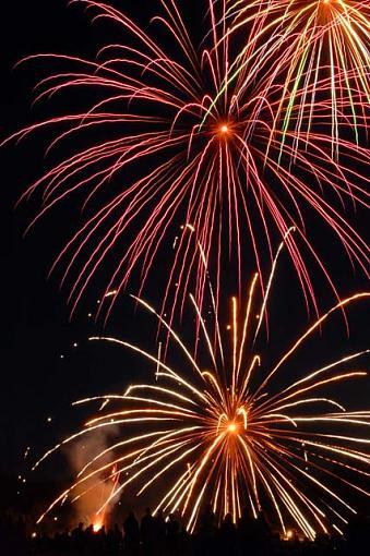 D70 Fireworks.......-fireworks0033-copy3.jpg