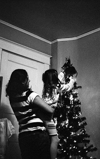 A Very Merry 50mm Christmas-11262007-11.jpg
