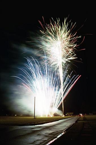 It Rained In North Carolina On The 4th-4-jul-04-fireworks-02-pr.jpg