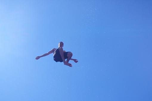 Free Falling-phto.jpg