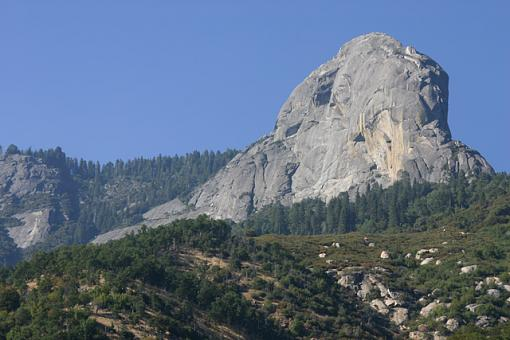 First of Yosemite pics...-moro_rock.jpg