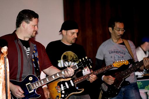 Did some photos of a friends band last friday..-pdr_web_maho2008-04-11_011.jpg