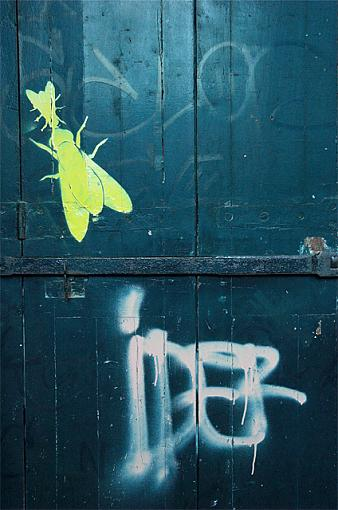 ''Graffiti'' Post yours :)-parisgraffiti-1.jpg