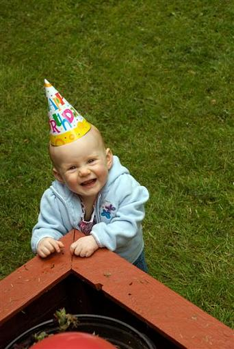 Cute Kid Thread 2008-dsc_0008-008-medium-.jpg