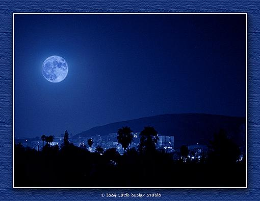 Shooting the moon... who can shed some light?-blue_moon-copy.jpg