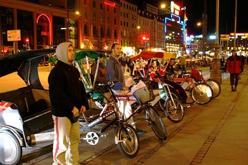 Transportation Thread-rickshaw1.jpg