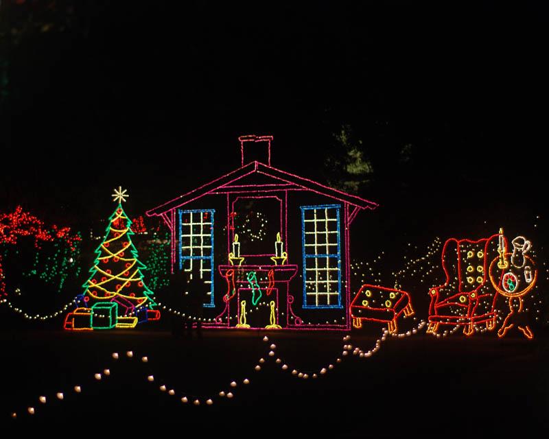 bellingrath garden oriental dragon christmas lights | Bellingrath Gardens Christmas display near Mobile Al.