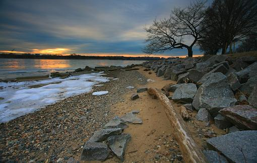 Frozen Potomac Sunset-000.jpg