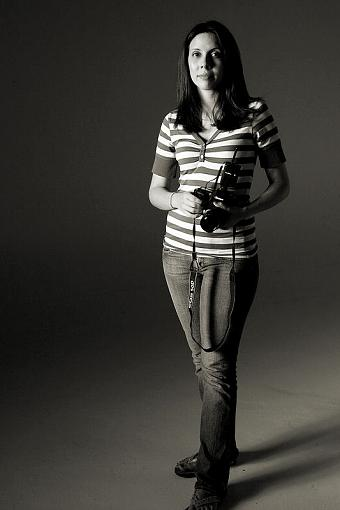 Capture a Photographer-_ile9295blknwht.jpg