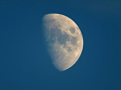 Waxing Gibbous Moon @ 1000mm day & night-moon-%40-1000mm_filtered.jpg
