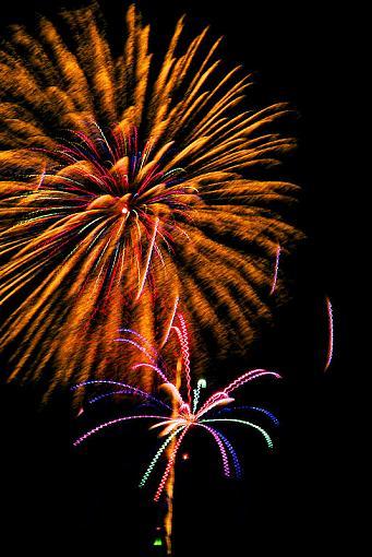 2009 Fireworks Thread-2009-07-04-17-35-16-dscf0391.jpg