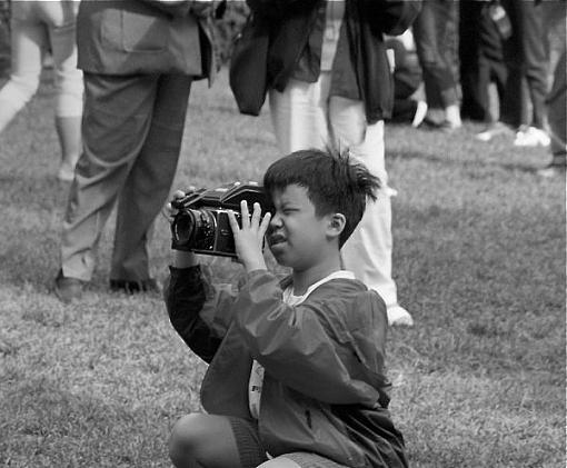 Capture a Photographer-gv2030600.jpg